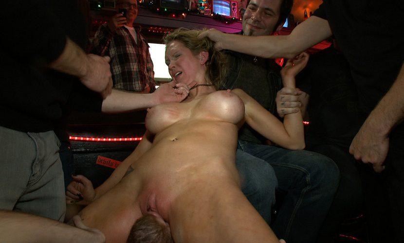 Публичный секс фильм