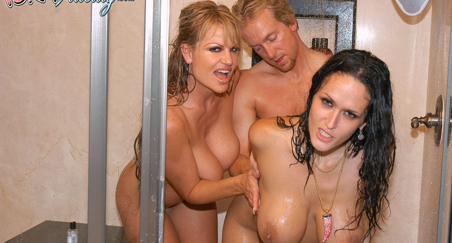 Blonde Cougar Threesome Hd