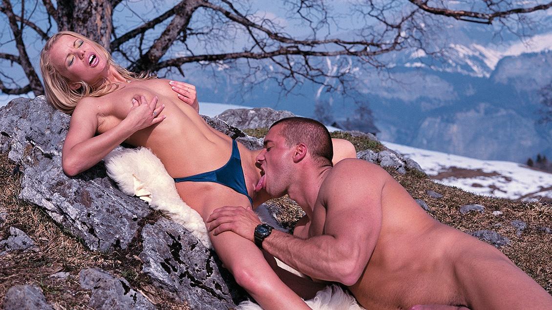 смотреть порно в заснеженных горах с блондинкой - 5