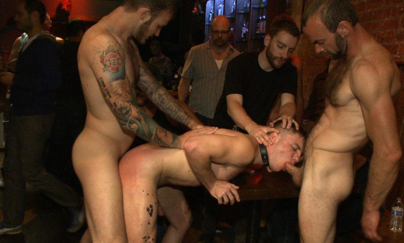 Porn bondage gang banging porno photo