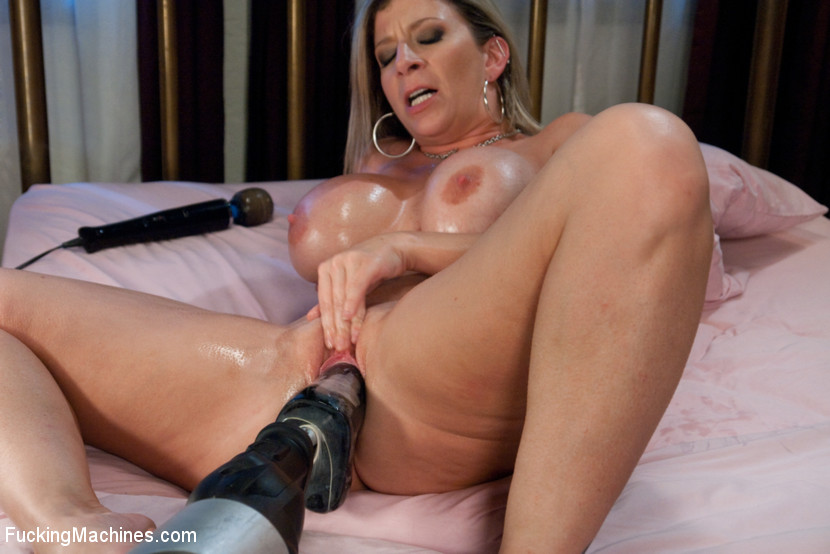 Latina Milf Pussy Up Close